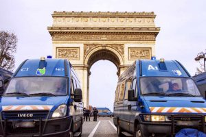 Decoding the 11 French Emergency phone numbers