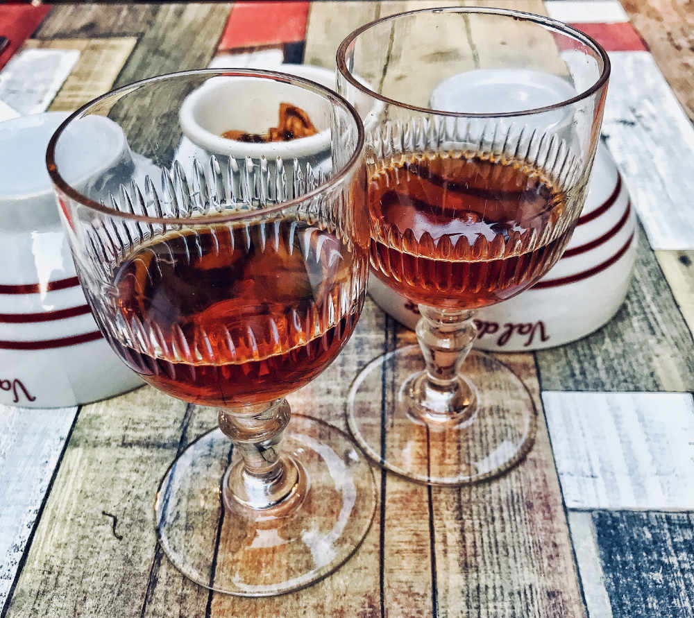 Photo of two glasses or Kir