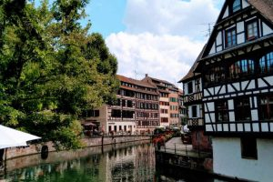 History, Culture, & Things to do in Strasbourg: Buschur!