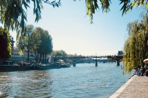 10 Best Places for the Perfect Picnic in Paris