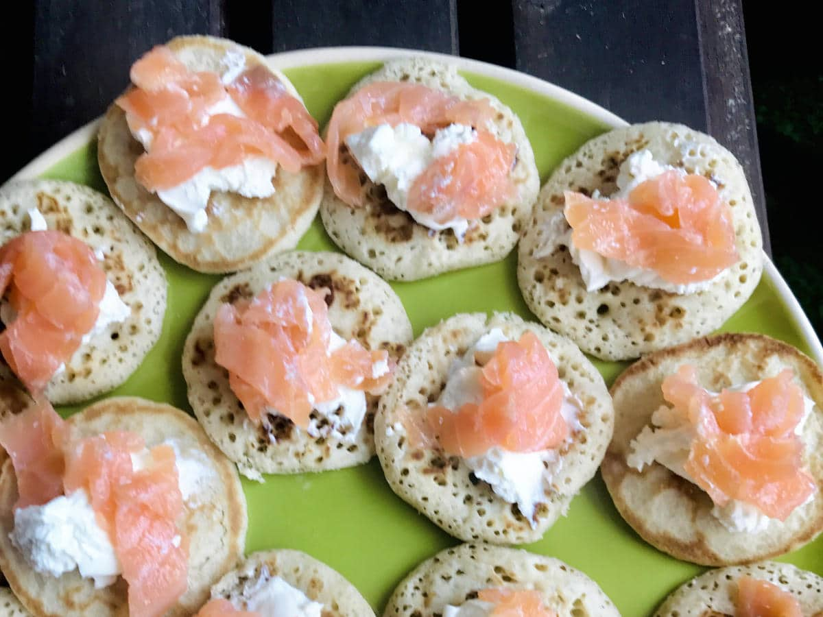 Smoked Salmon Canapés (in 10 minutes or less)