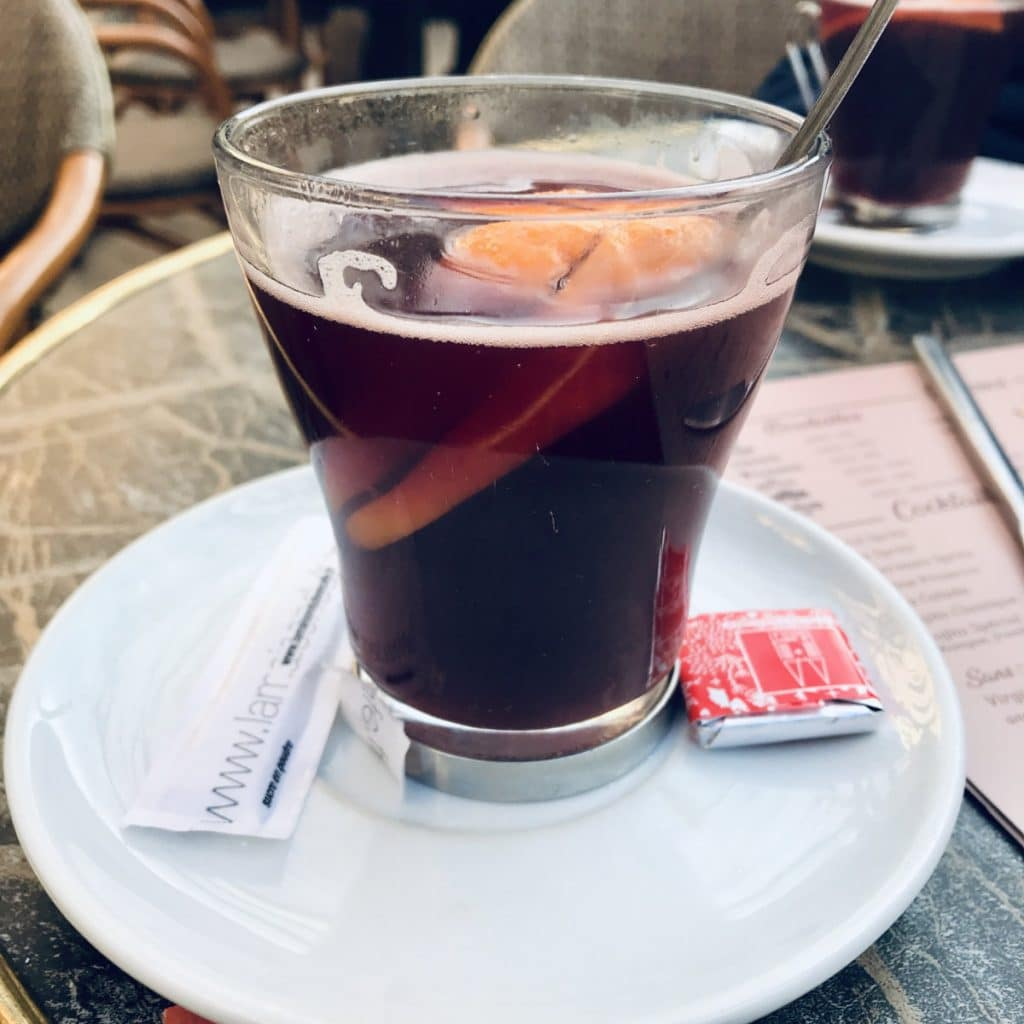 Vin Chaud - French Christmas Traditions