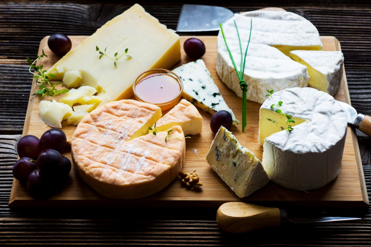 You are currently viewing 7 Secrets to a mouthwatering French cheese board