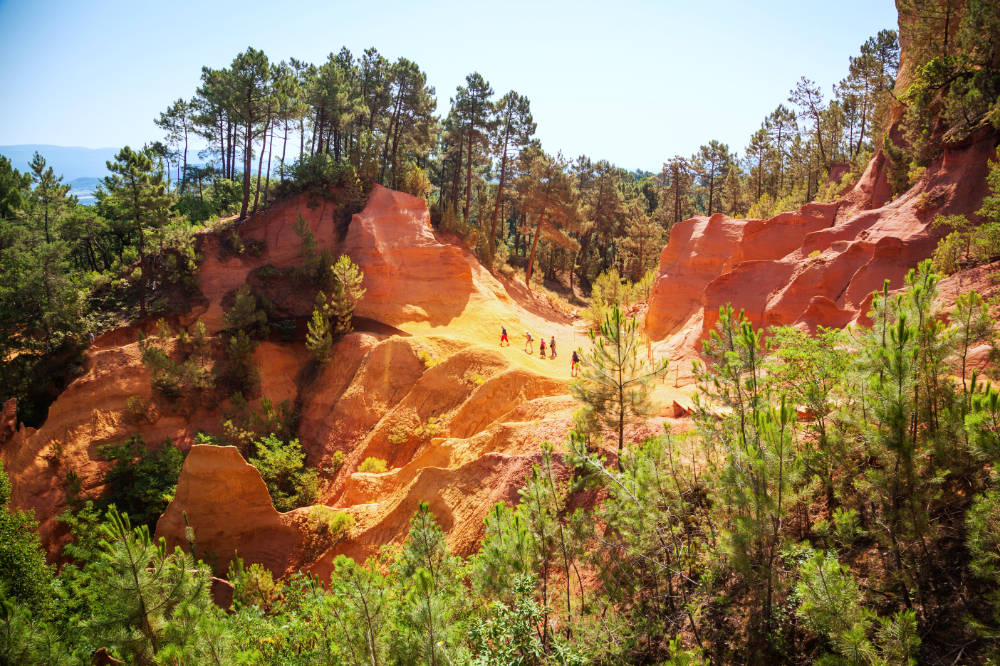 Visiting Roussillon in Provence (and the Ochre Trail!) 1