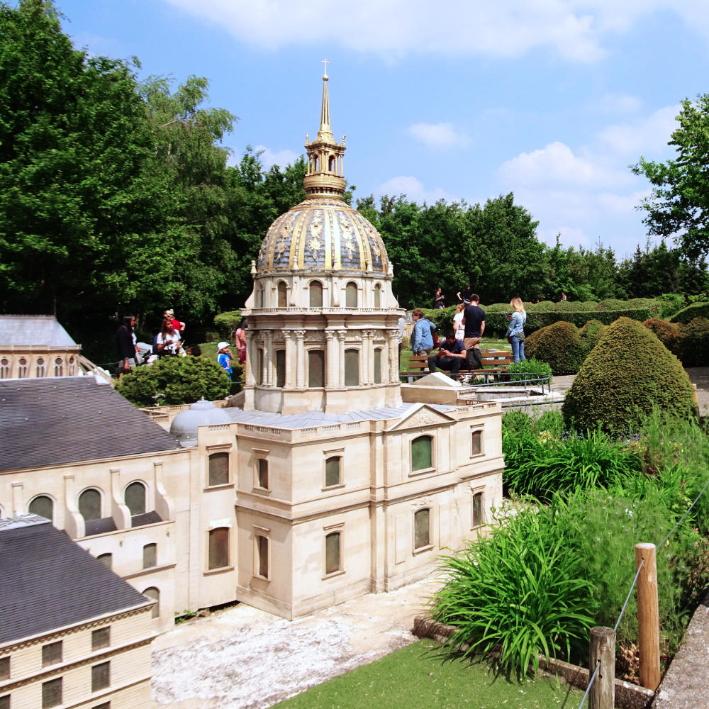 Les Invalides at France Miniature themepark