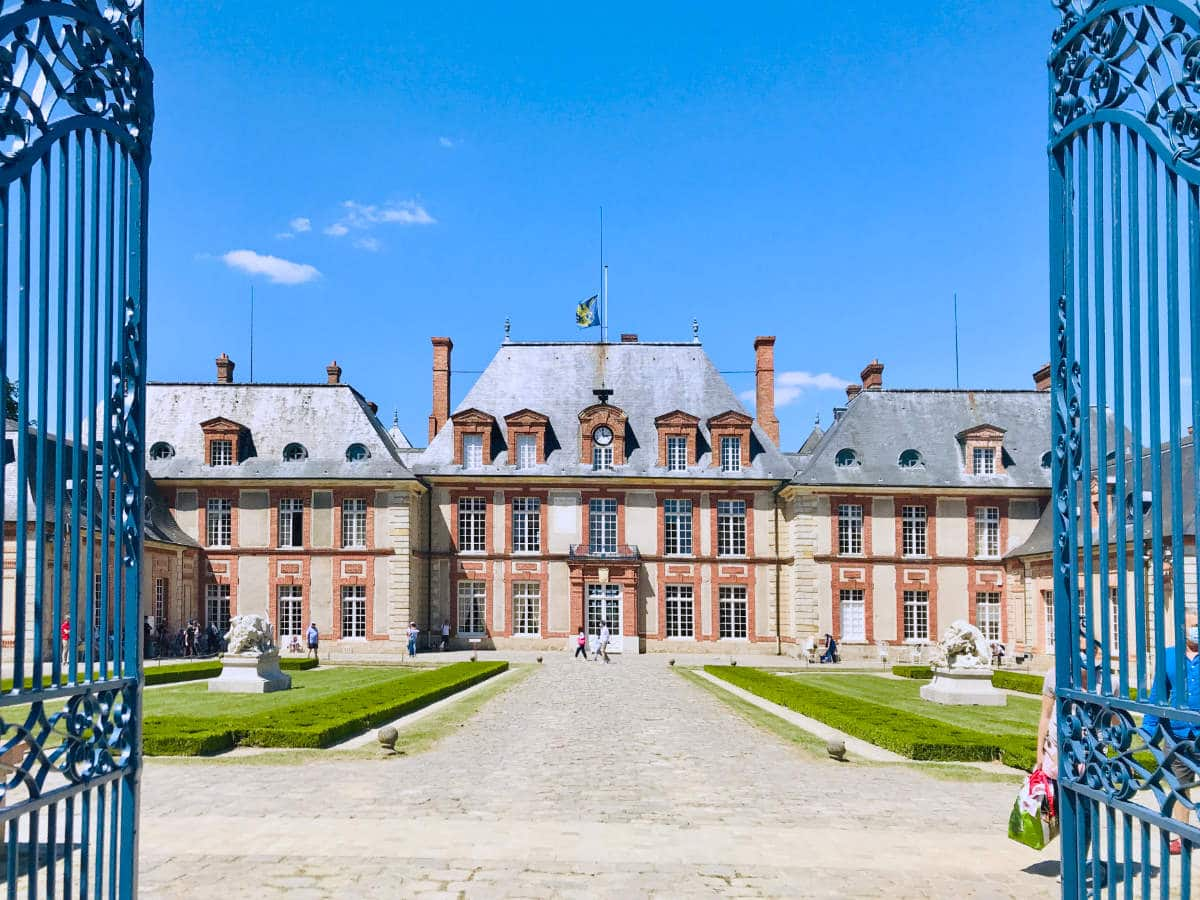 Château de Breteuil: The Castle of Old Fairytales (outside Paris)