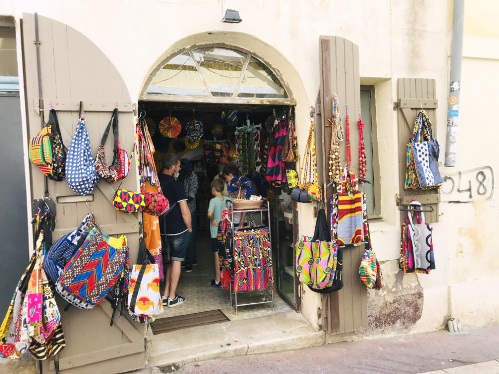 Cloth bag shop in le Panier