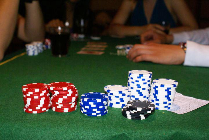Poker table in Saint Malo