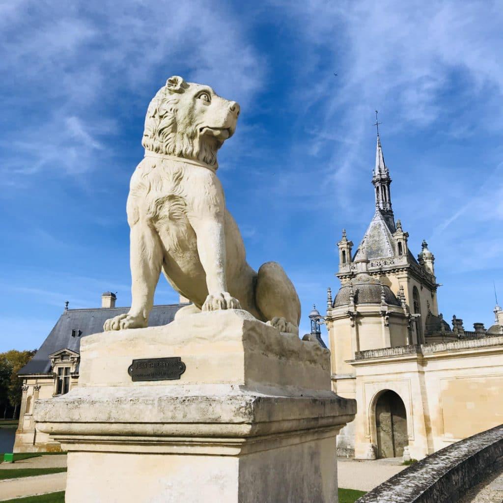 Statue outside Château de Chantilly