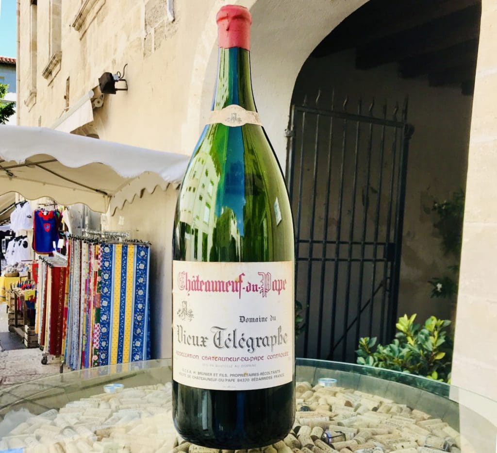 Châteauneuf du Pape wine bottle in Avignon