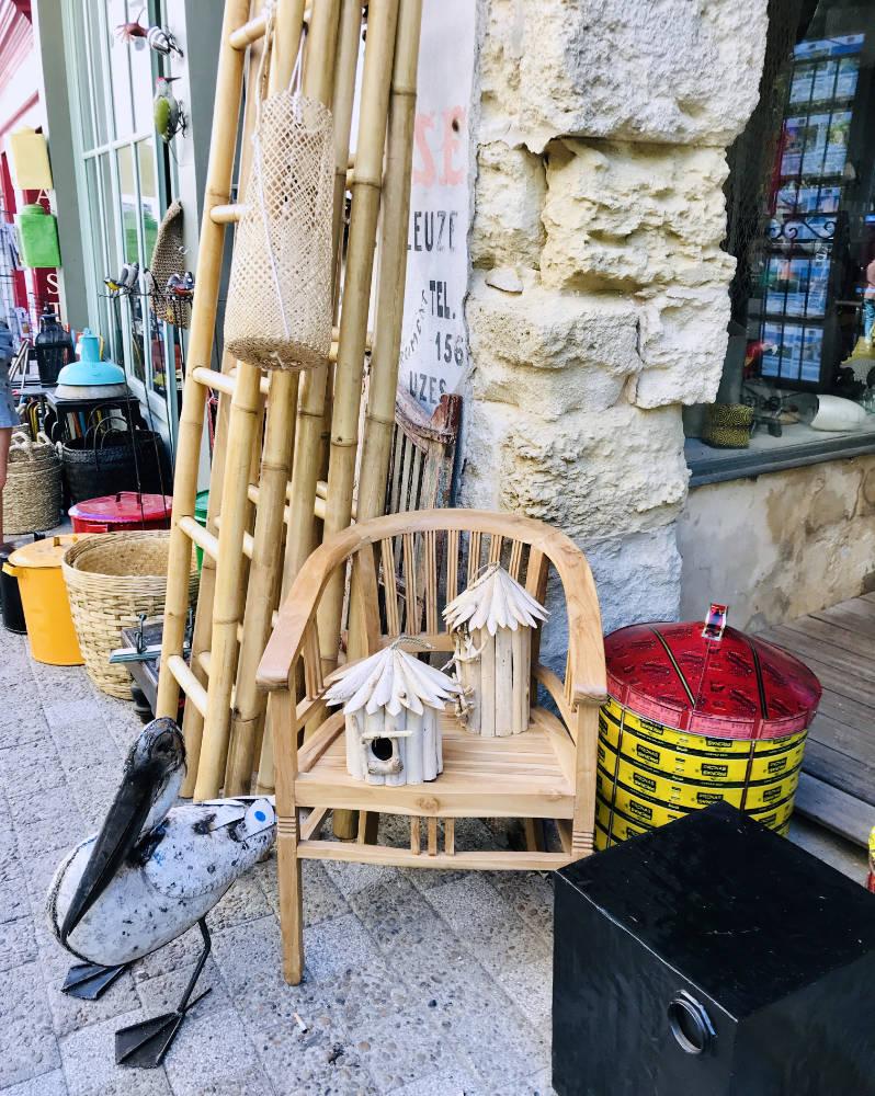 Antique market in Isle sur Sorgue, Provence
