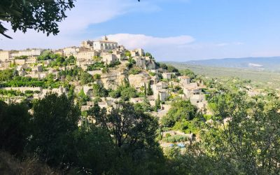 Gordes: the Beautiful Village on a cliff in Provence