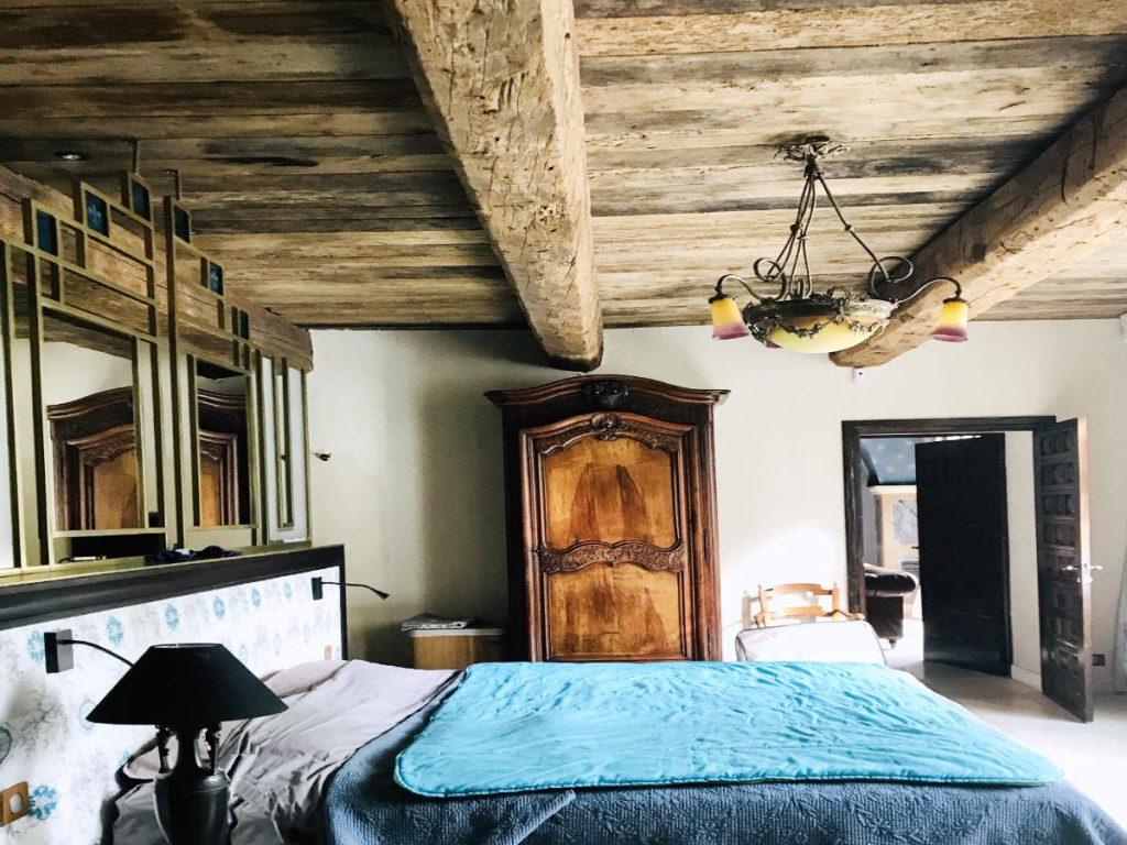 the lune de miel bed (honeymoon bed)
