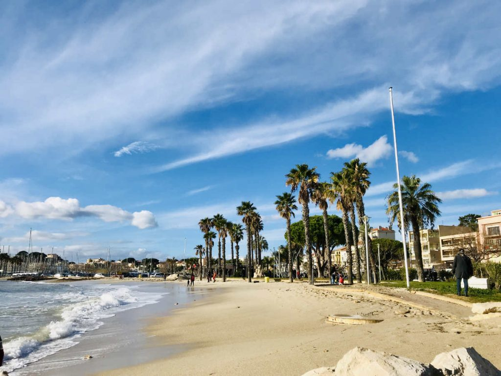 Bandol: A seaside holiday town on the French Riviera 1