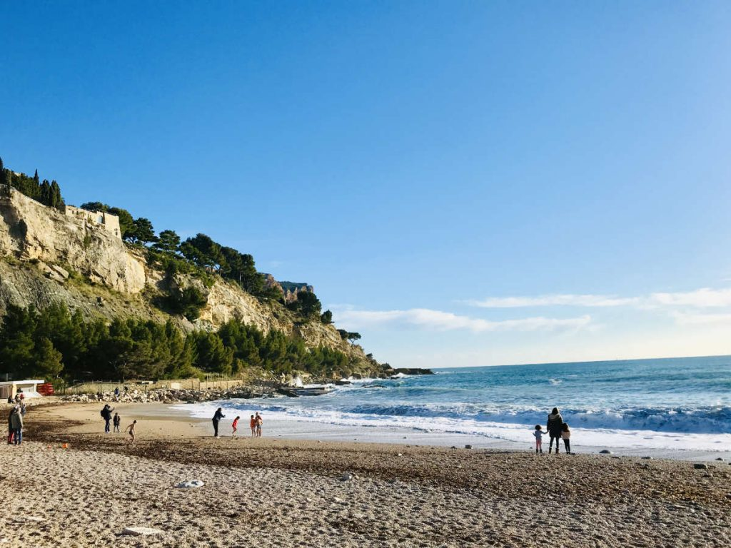 beaches at cassis