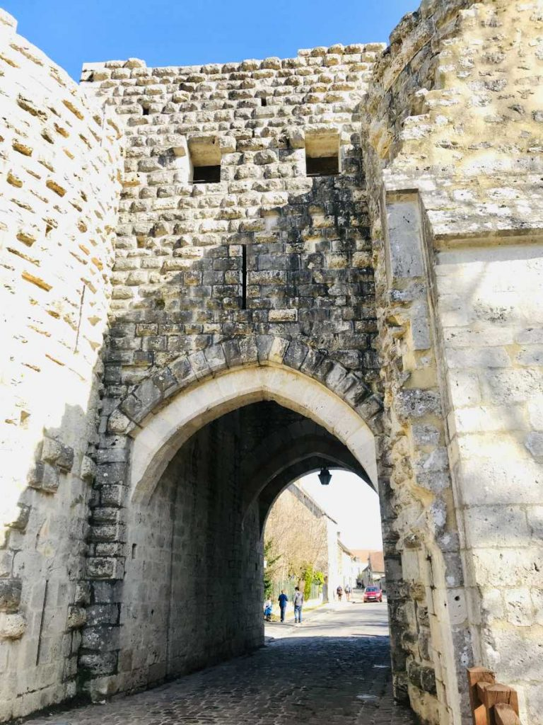 Rampart entry in Provins