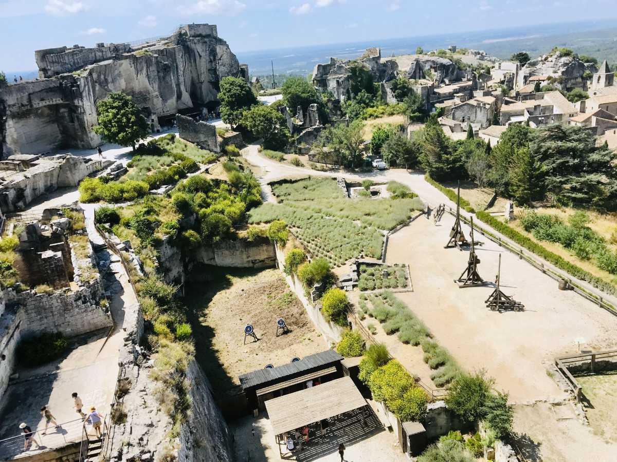 Read more about the article Visiting Les Baux de Provence and Carrières de Lumières