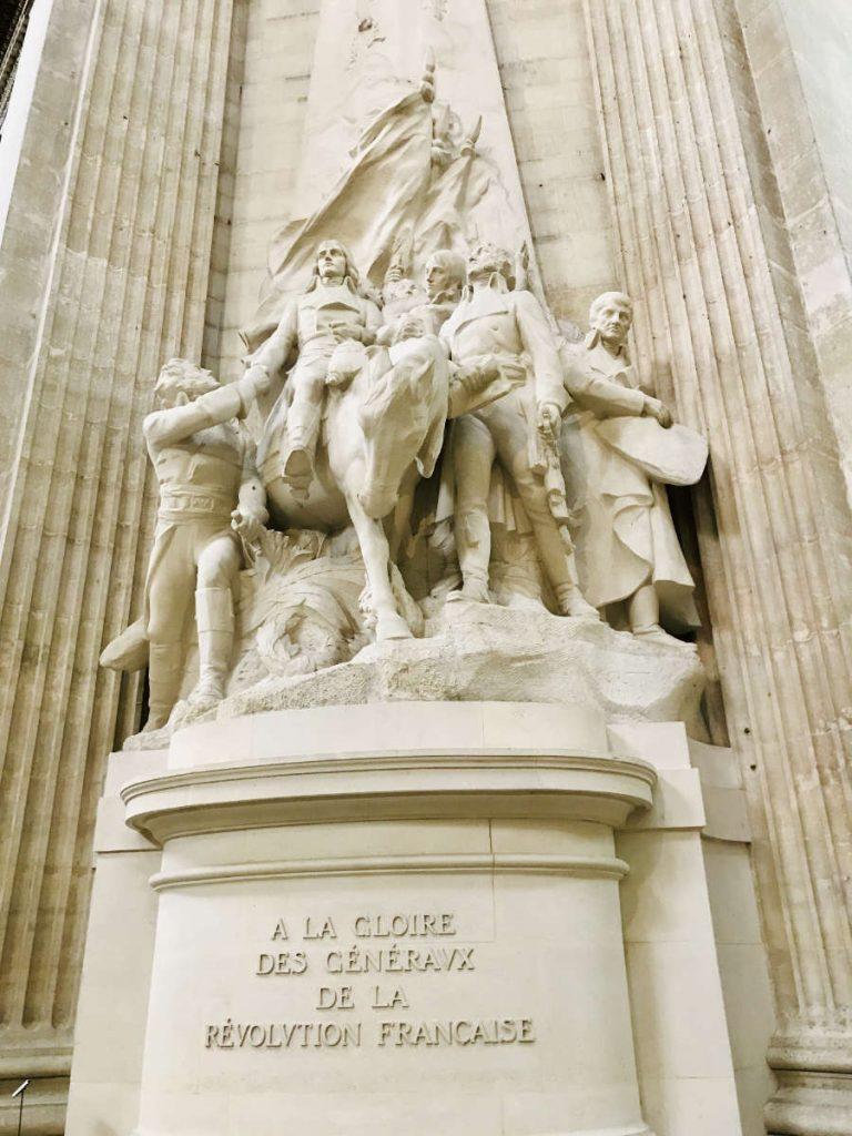 Statue - A la gloire des généraux de la Révolution française