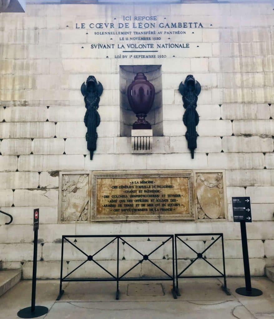 Urn containing heart of Leon Gambetta
