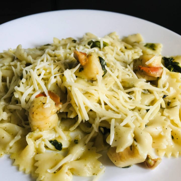 scallops pasta with spinach and pesto