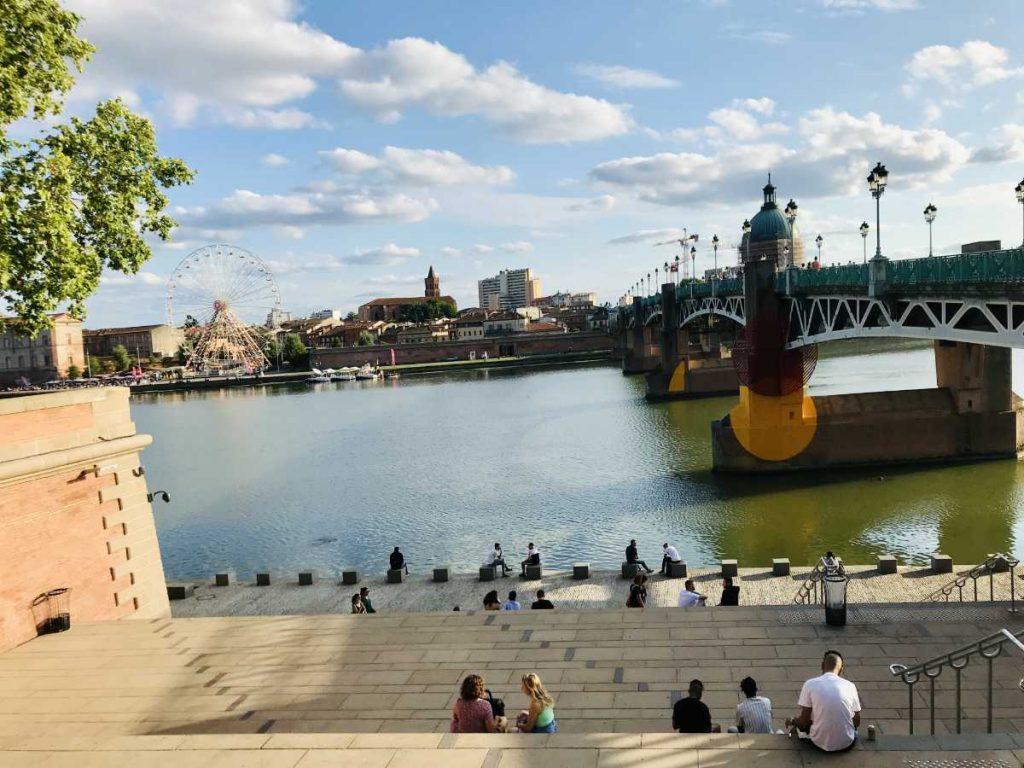 Next to Saint Pierre Bridge in Toulouse