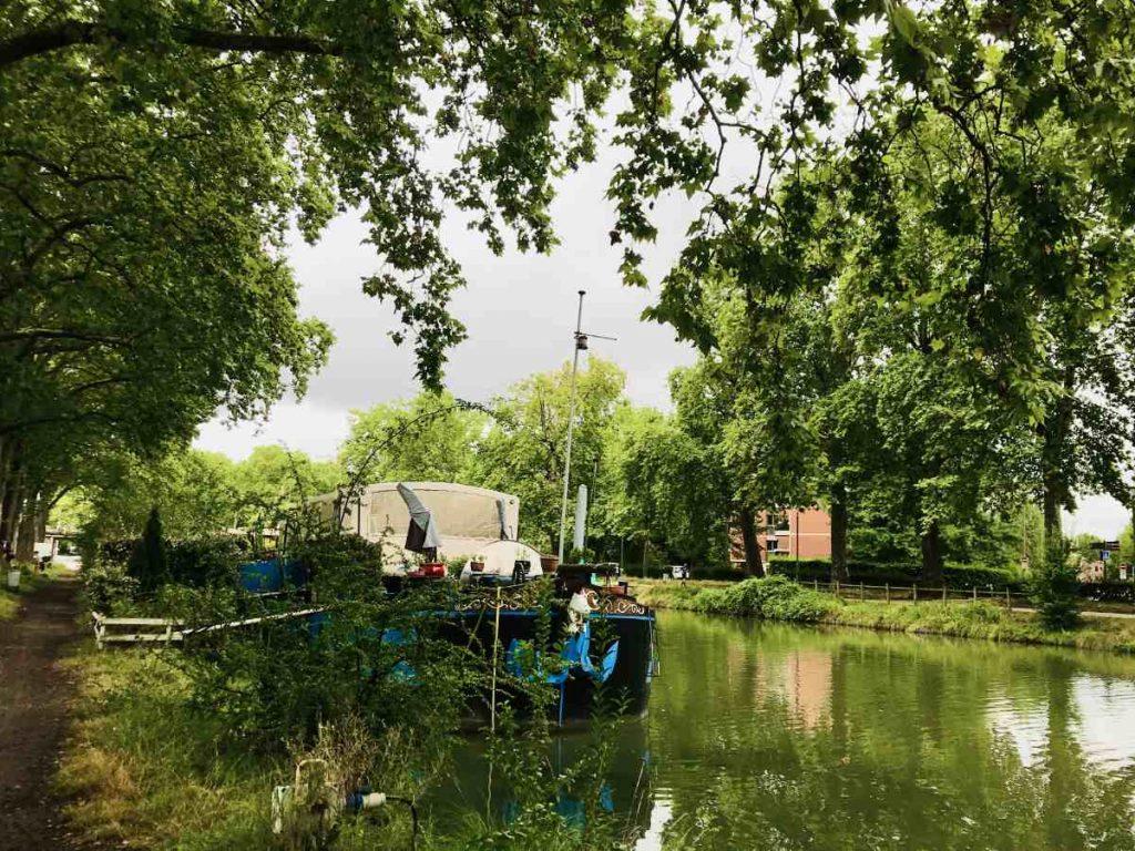 houseboat on Canal du Midi