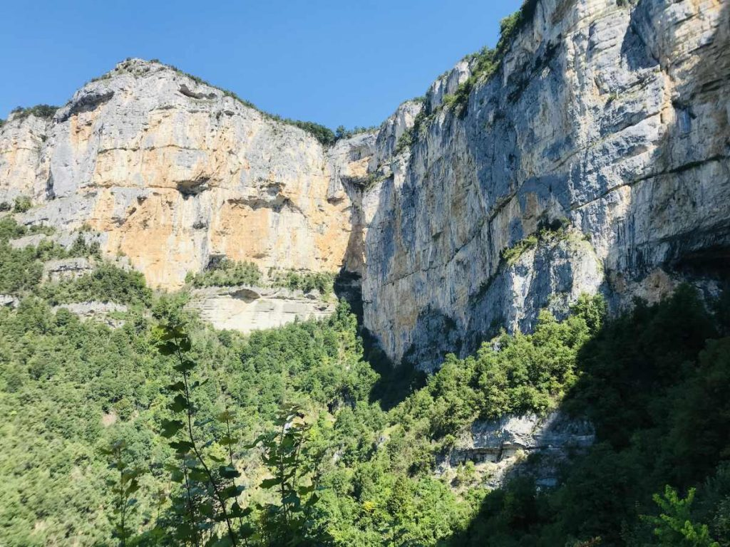 Cliffs from the entrance of the Grotte de Choranche