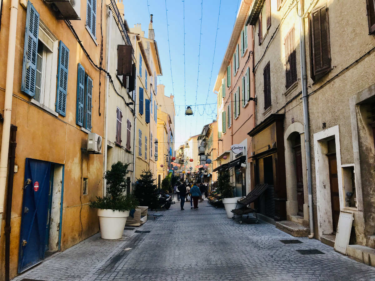 small town in Provence - day trips from Nice